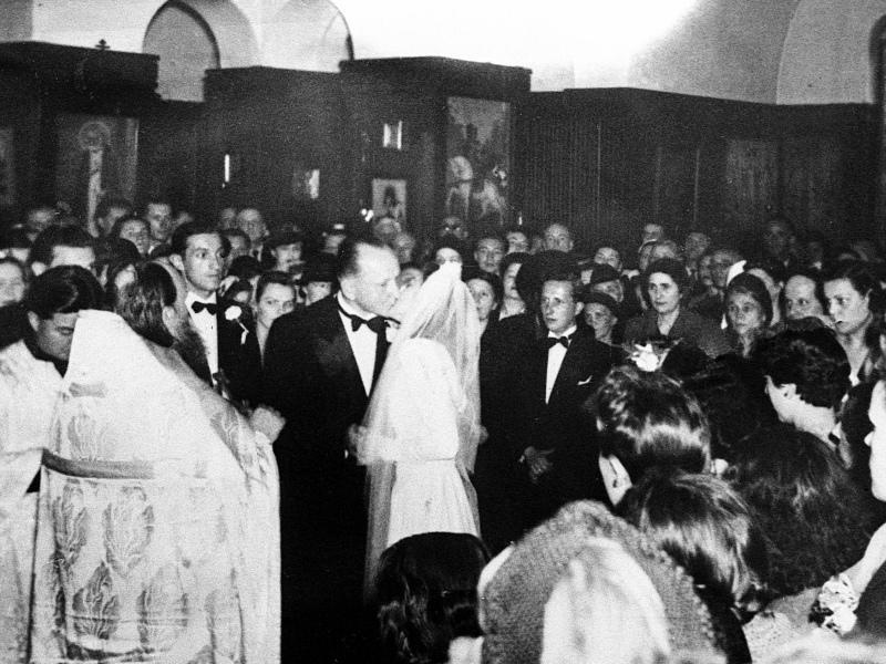 Венчание Александра Вертинского и Лидии Циргвава в Шанхае в мае 1942 года.
