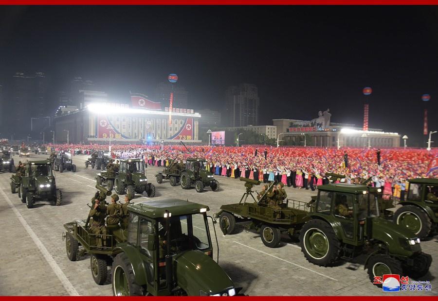 Ночной парад, состоявшийся в Пхеньяне 9 сентября 2021 г. в честь 73-й годовщины провозглашения КНДР.
