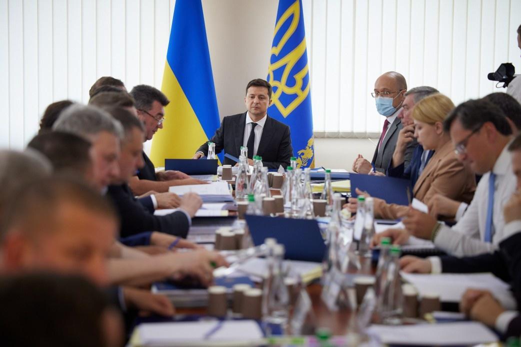 На заседании СНБО под председательством Владимира Зеленского была утверждена «Стратегия внешнеполитической деятельности Украины».
