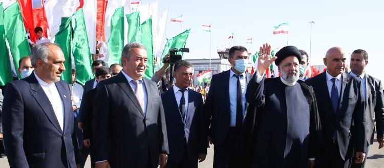 Президент Ирана Ибрахим Раиси в ходе саммита заявил, что членство в ШОС может помочь Тегерану в борьбе с санкциями.