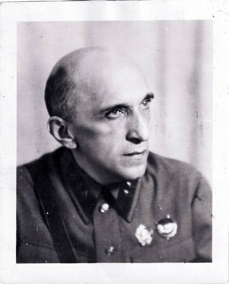 Яков Серебрянский в 1941 году.