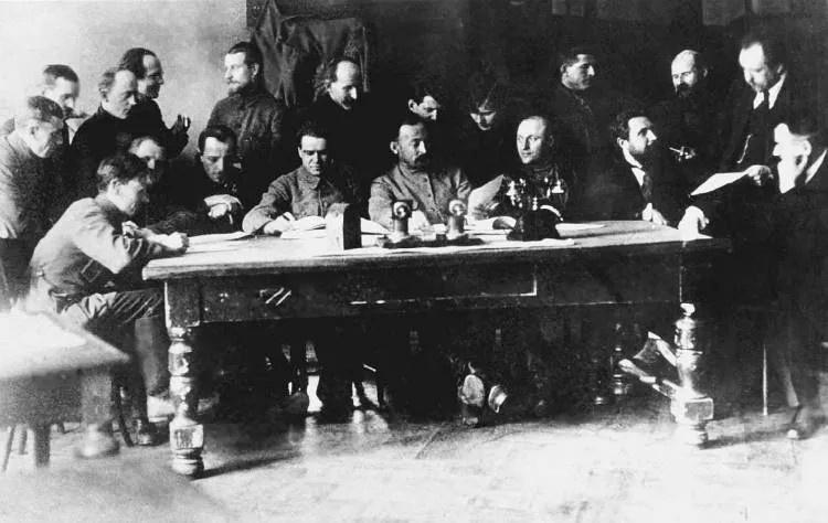 Заседание Коллегии ВЧК. 1919 или 1920 год.