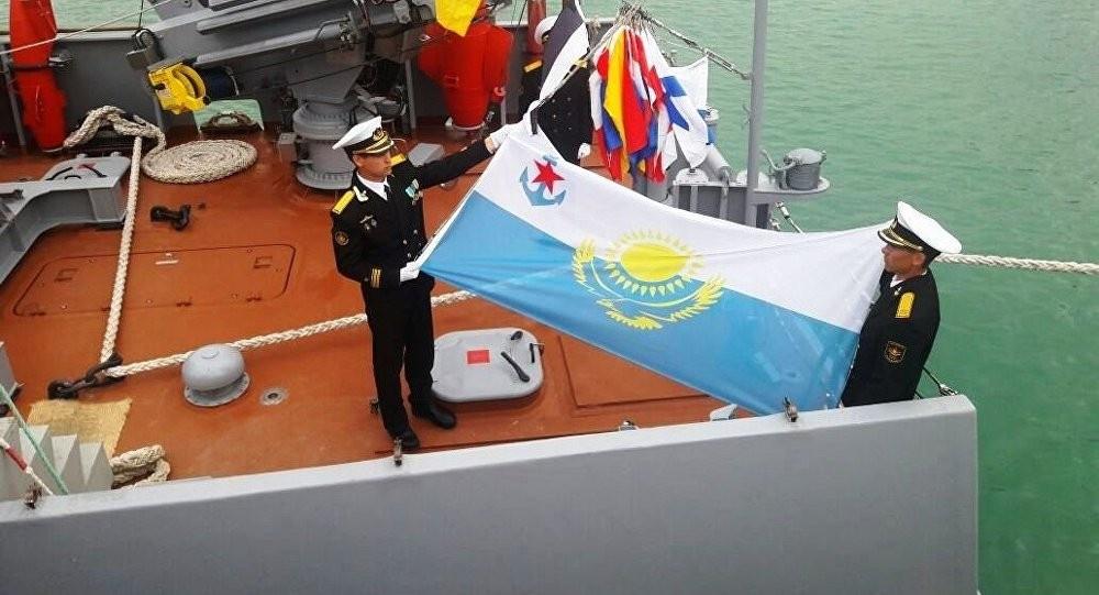 В составе ВМС находится также один рейдовый тральщик российской постройки «Алатау» (пр.10750).