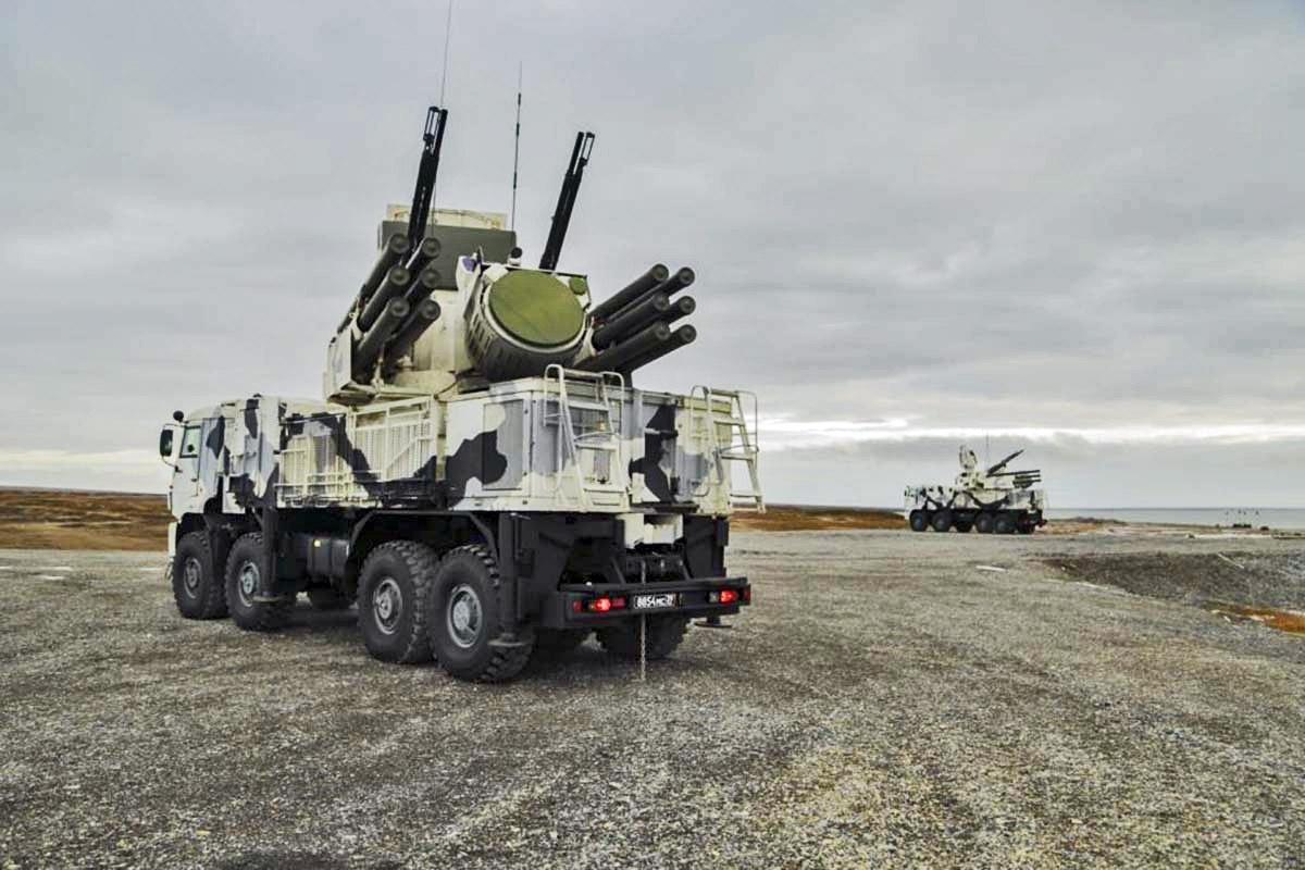 Во время практических испытаний на арктическом архипелаге Земля Франца-Иосифа «Панцирь-СА» продемонстрировал способность эффективно выполнять все боевые задачи.