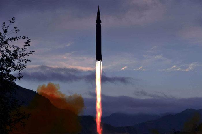 КНДР успешно испытала новейшую гиперзвуковую ракету малой дальности «Хвасон-8».