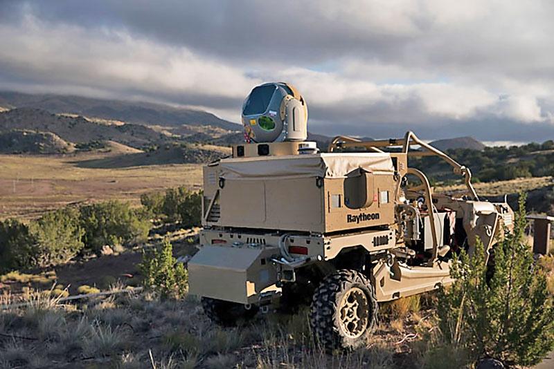 Квадроцикл Polaris ATV c установленной системой HELWS - «земля-воздух».