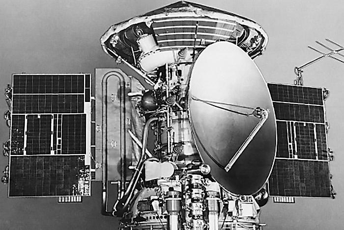 2 декабря 1971 г. АМС «Марс-3» произвёл первую мягкую посадку на Марс.