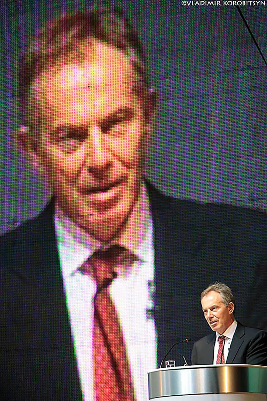 Бывший британский премьер Тони Блэр относится к числу лиц, которым запрещено прятать деньги в офшорах.