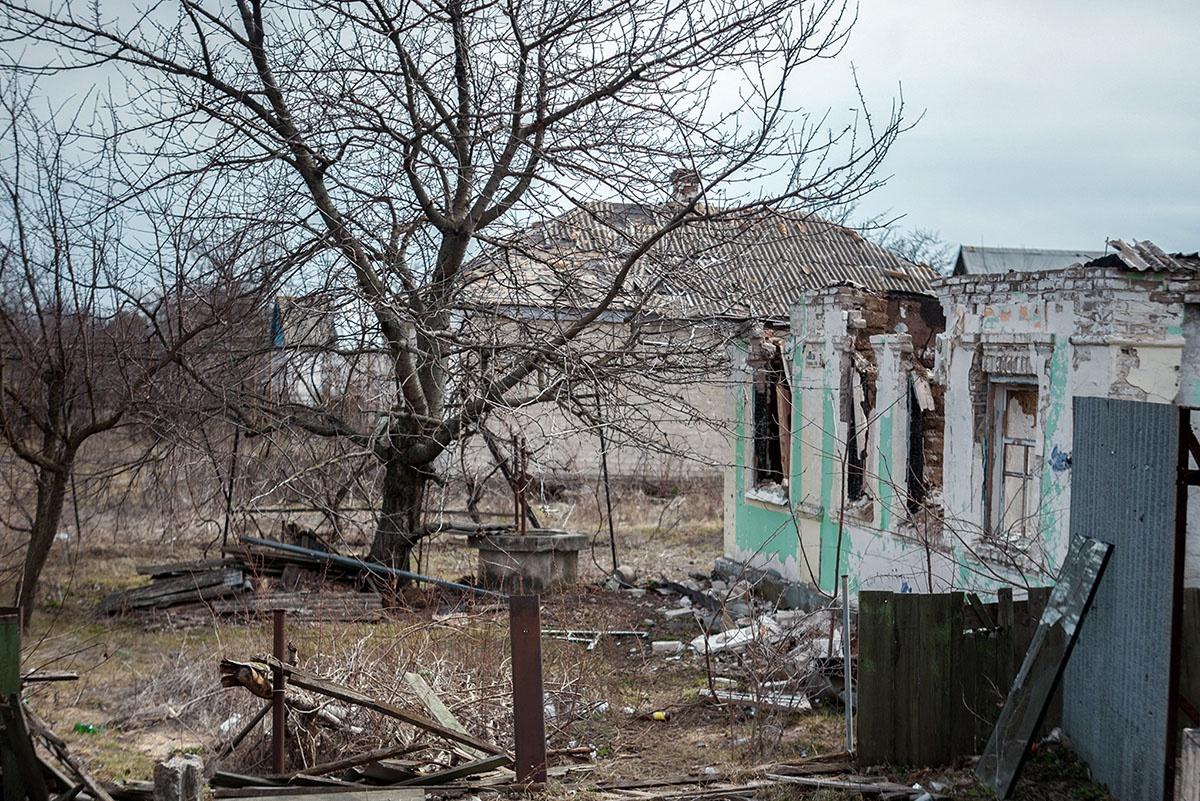 Село Коминтерново регулярно попадает под обстрелы со стороны ВСУ.