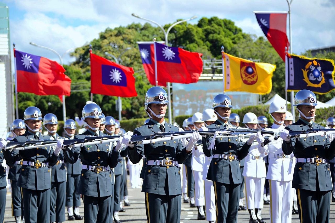 Армия Тайваня составляет всего около 300 тыс. человек.