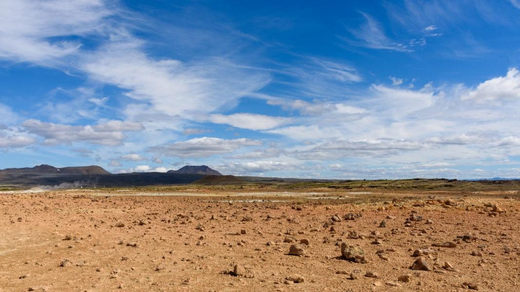 Плодородные земли после интенсивного применения минеральных удобрений очень быстро становятся бесплодными.