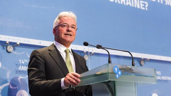 Госсекретарь по делам Европы и Америки министерства иностранных дел Великобритании Алан Дункан выступает на 14-й международном форуме Ялтинской европейской стратегии