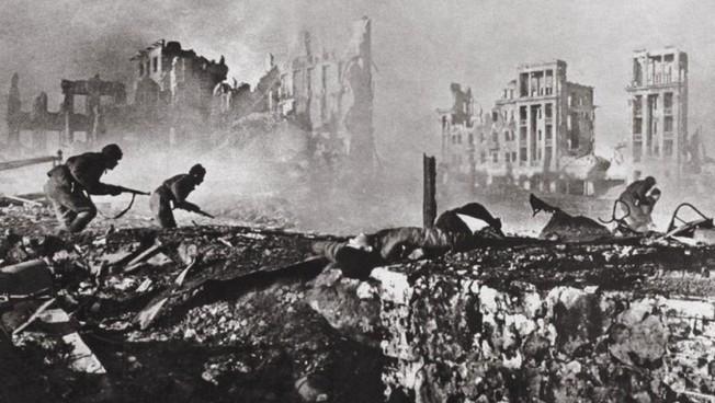 Свыше 50 процентов граждан РФ считают Сталинградскую битву решающим событием Великой Отечественной войны - ВЦИОМ