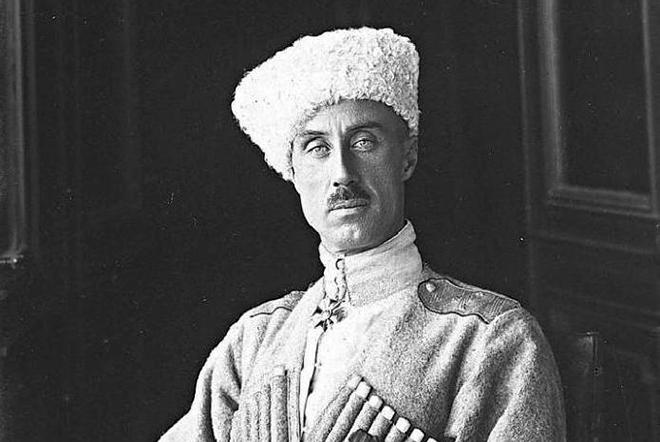 Петр Николаевич Врангель - главнокомандующий вооруженными силами Юга России.