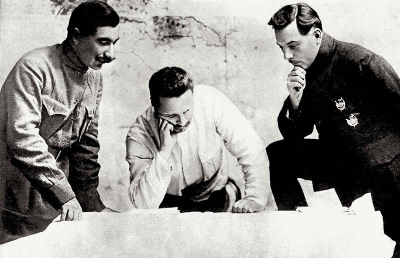 С.М. Буденный, М.В.Фрунзе и К.Е.Ворошилов.