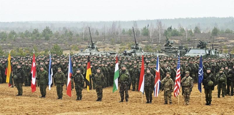 Солдаты из девяти стран-членов НАТО на учениях в Литве