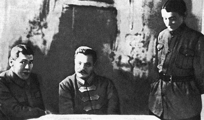 Б.М. Шапошников, М.В. Фрунзе и М.Н. Тухачевский.