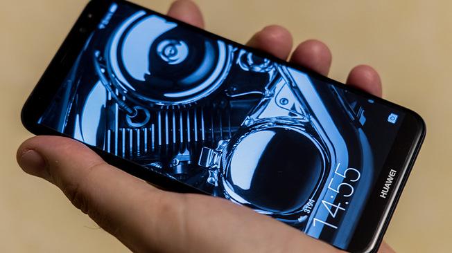 CNN: главы спецслужб США не рекомендуют американцам пользоваться китайскими смартфонами