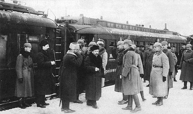 Прибытие делегации Советской России в Брест-Литовск