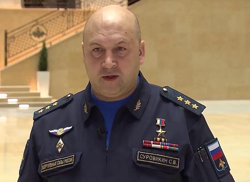 Главнокомандующий воздушно-космическими силами генерал-полковник Сергей Суровикин