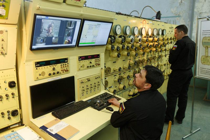 В Научно-исследовательского институте спасания и подводных технологий ВУНЦ ВМФ