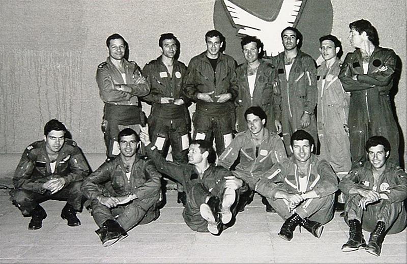 Израильские пилоты после успешного окончания операции