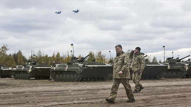 Петр Порошенко: обреченный воевать?