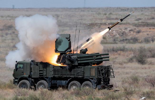 Зенитный ракетно-пушечный комплекс