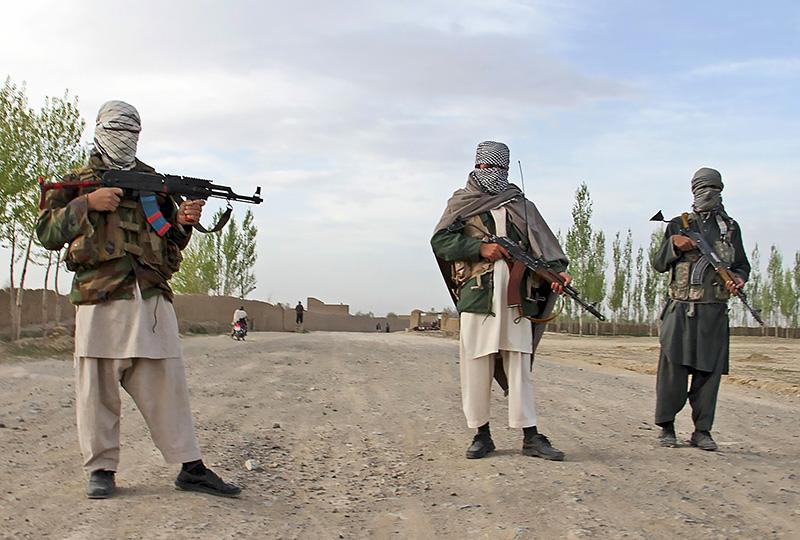 Талибы контролируют почти половину территории Афганистана.