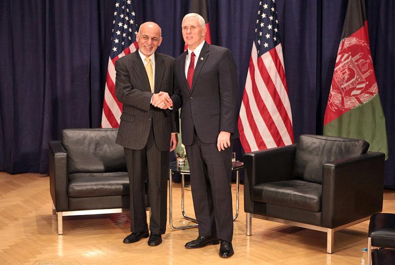 Президент Афганистана Ашраф Гани с вице-президентом США Майком Пенсом.