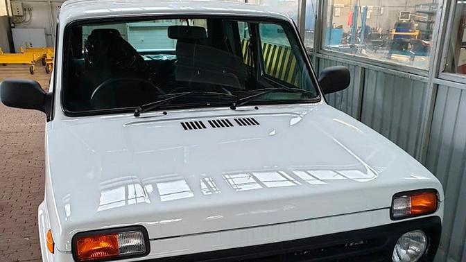В Сети появились фото праворульной Lada 4x4