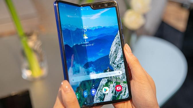 Не сложилось: Samsung отложила старт продаж складного Galaxy Fold