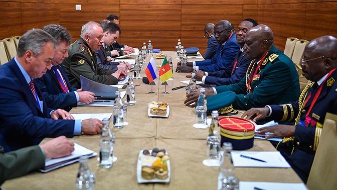 Фомин провел около десятка встреч с иностранными военными в рамках MCIS-2019