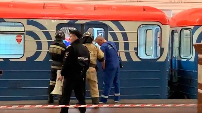 На Сокольнической линии метро Москвы приостановлено движение поездов
