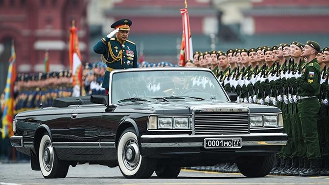 Уникальные кабриолеты ЗИЛ задействуют в параде Победы в Петербурге