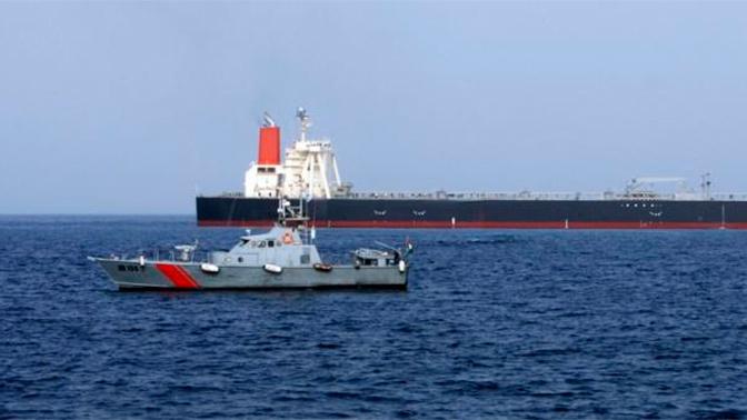 Власти ОАЭ опровергли информацию о взрывах в порту Фуджейра