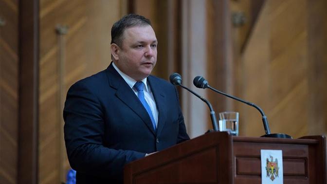 Уволенный глава КС Украины заявил об антиконституционном перевороте