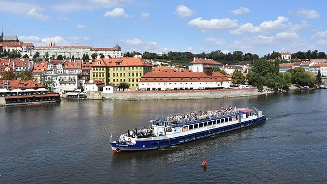 Названы самые востребованные летние направления у туристов из России