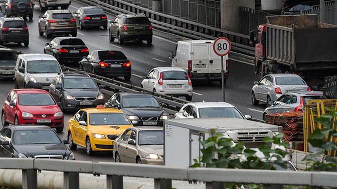 В Госдуме допустили снижение порога превышения скорости до 10 километров в час в черте города