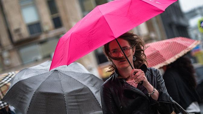 Гроза и дождь: в МЧС предупредили о непогоде в Москве