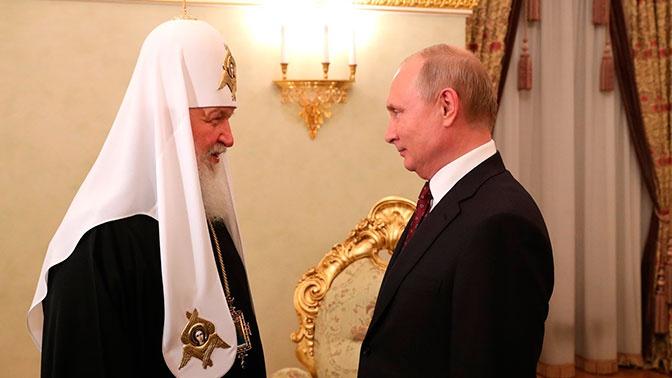 Путин обсудил с патриархом Кириллом ситуацию с храмом в Екатеринбурге