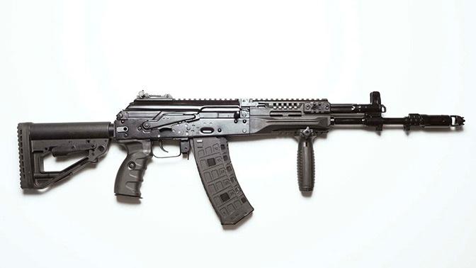 Тысячи автоматов АК-12 поступили на вооружение ЦВО