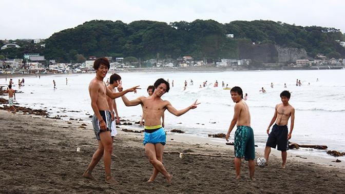 В Японии разрешили купаться рядом с АЭС «Фукусима»