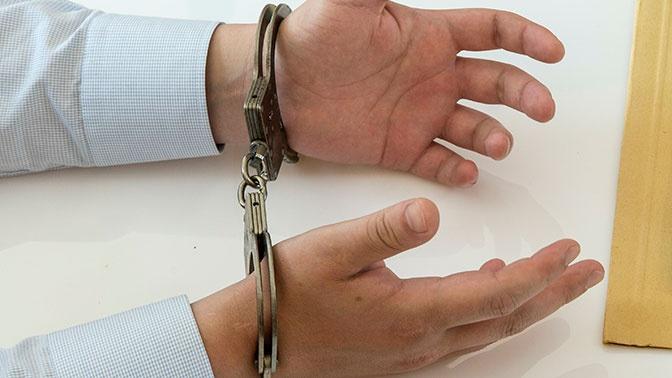 СМИ: ФСБ задержала сотрудника МЧС Читы во время совещания в мэрии