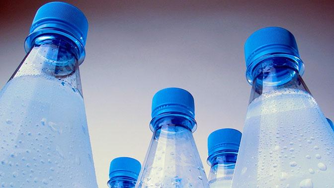 Четверть бутилированной воды в России оказалась подделкой