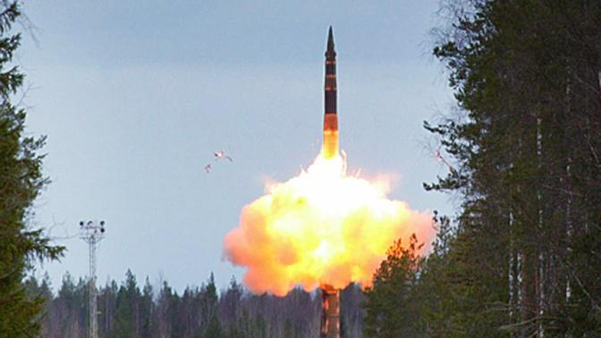 РВСН провели учебный пуск межконтинентальной ракеты «Тополь»