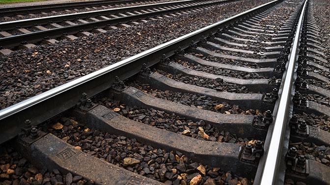 Камнепад парализовал работу железной дороги в Иркутской области