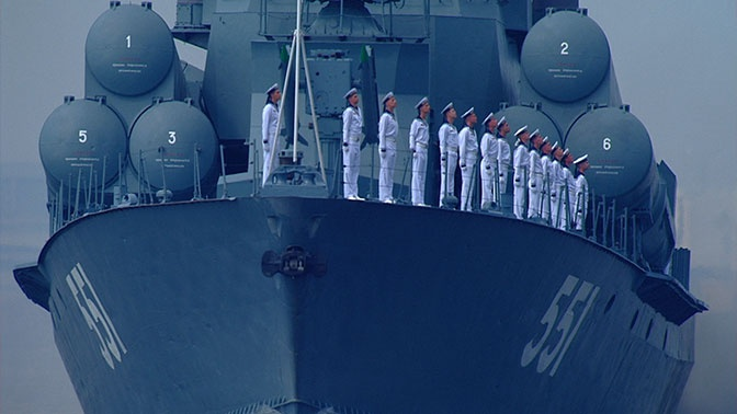 На воде и в воздухе: в Петербурге завершился Главный военно-морской парад