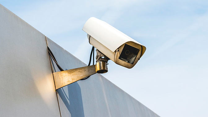 Приставы намерены искать должников через уличные камеры