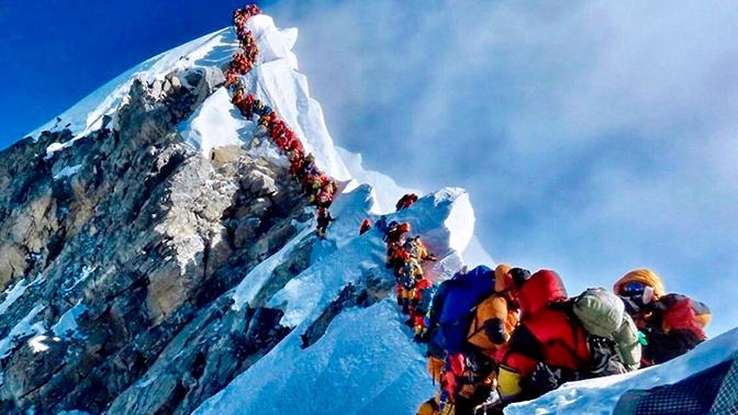 Плата за мечту: Непал ужесточает правила для желающих покорить Эверест